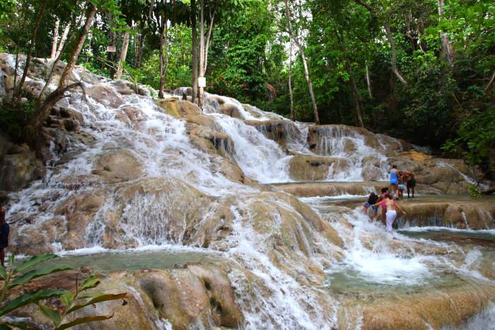 פארק מפלי נהר דאן בג'מייקה